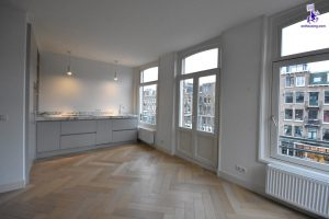 € 2.000 excl. bills | Overtoom | Oud-west / Vondelpark | Unfurnished | Ref 6184 | From 1 March