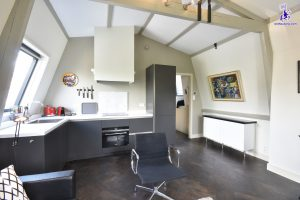 € 1.600 excl. bills | Herengracht | Canals | Ref 6221 | Available from 1 August